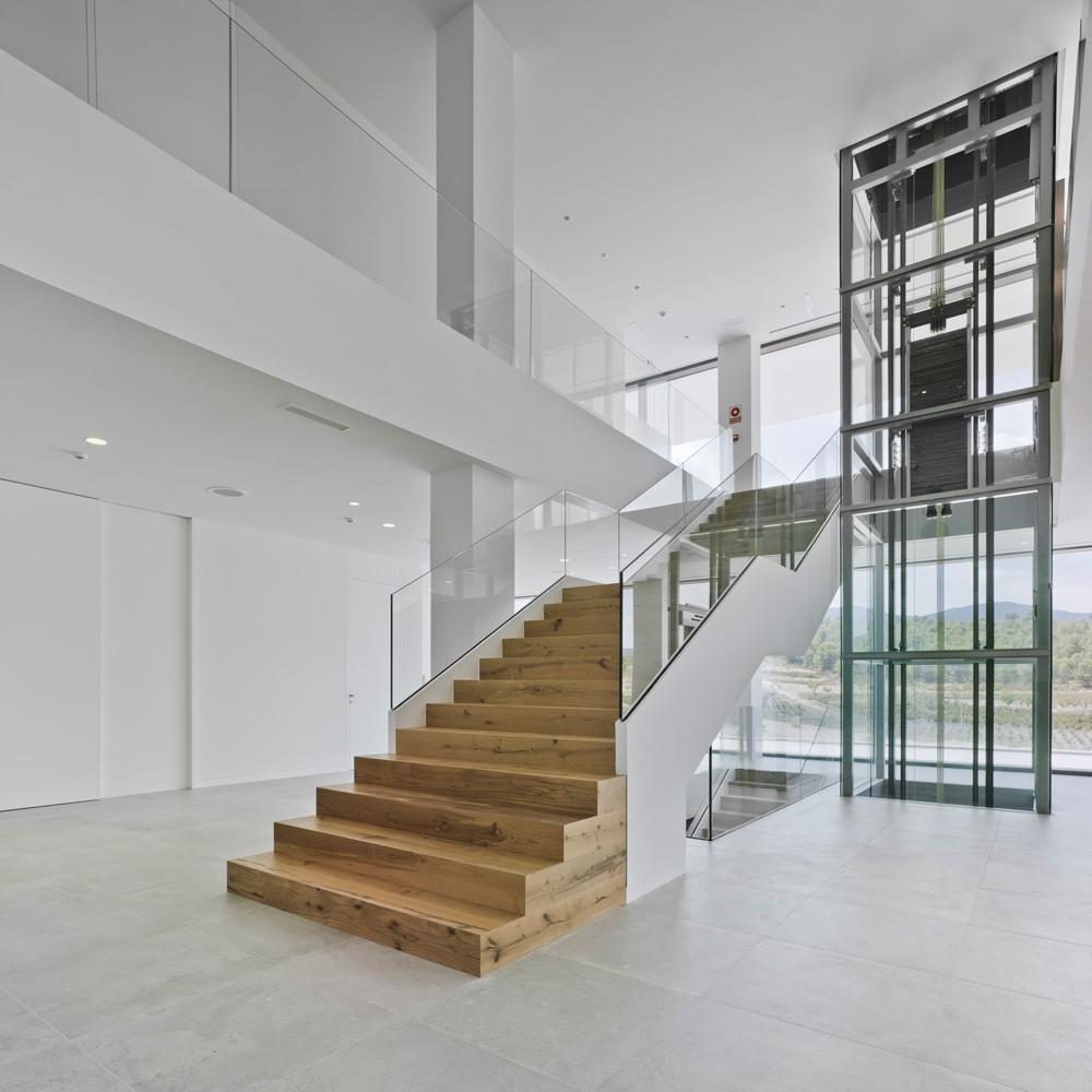 arquitectura-murcia-escalera-madera