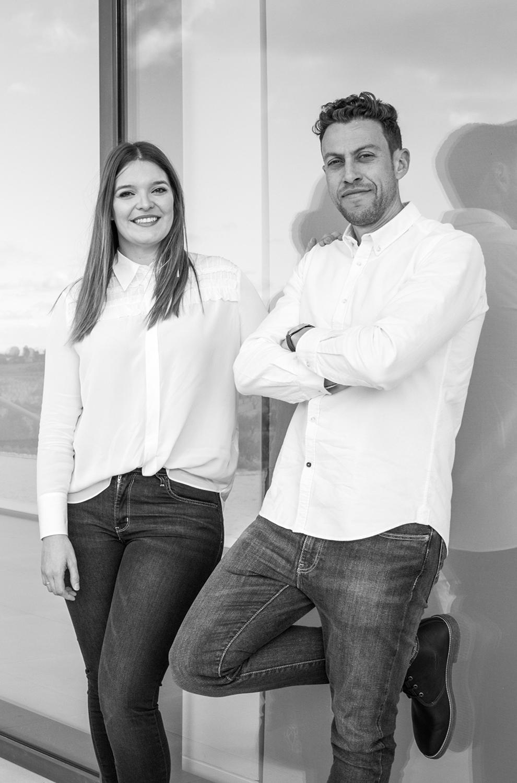 Pareja de arquitectos socios del estudio de arquitectura Srta. Rottenmeier en Murcia